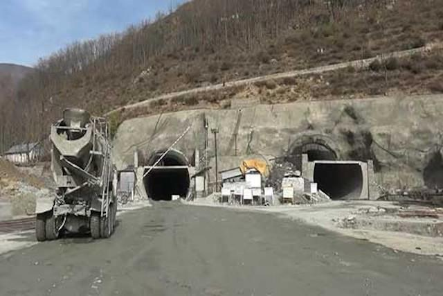 Banihal-Qazigund road tunnel likely to open next ...