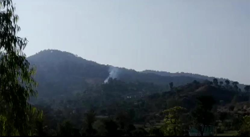 Pakistan violates ceasefire along LoC in Nowshera sector