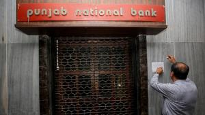 PNB fraud: Nirav Modi's Mumbai home raided, valua...
