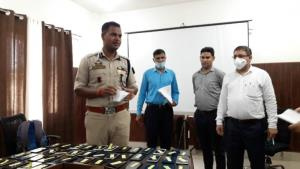 Kathua police recovers 70 missing mobile phones