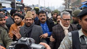 Union Minister Naqvi visits Srinagar center Lal C...