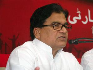 SP leader Ram Gopal Yadav insults CRPF martyrs, s...