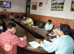 Div Com Jammu reviews land issues of newly sancti...