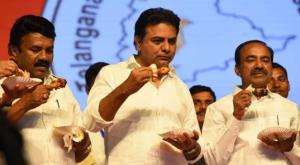 Telangana ministers eat chicken to clear myths ab...