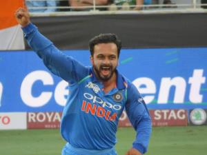 Asia Cup 2018: Bowlers do star turn as India thum...