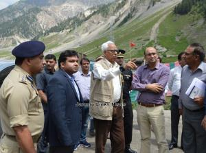 Governor reviews arrangements for Amarnath Yatra