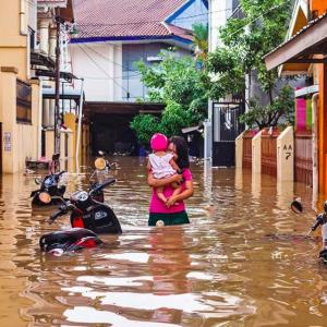 Death toll from Indonesian floods and landslides ...