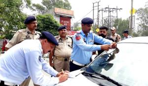 17 FIRs lodged by Traffic Police against law viol...