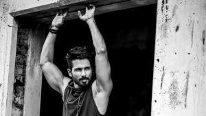 Shahid Kapoor opens up on stomach cancer rumours,...