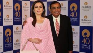 RIL becomes first Indian firm to hit Rs 10 lakh c...