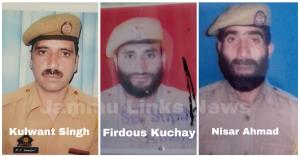 Terrorists abduct and kill 3 J&K policemen, at le...