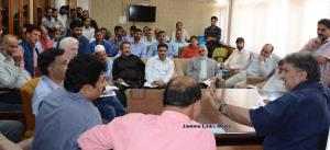 Dr Samoon chairs meet to discuss Poultry Policy