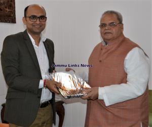 Rajbhavan bids farewell to Additional CEO SASB Bh...