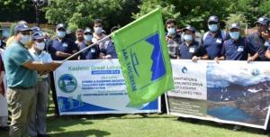 Sarmad Hafeez flags off Sanitation drive along Gr...