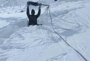 Army personnel brave subzero temperature, inhospi...