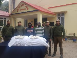 70 kgs poppy straw seized, 2 smugglers arrested