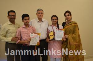 MV International School shines in Hindi Debate Co...
