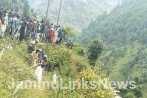 4 killed in a road accident in Doda