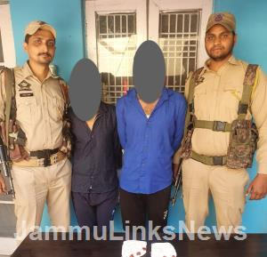 Two narcotic smugglers arrested with heroin