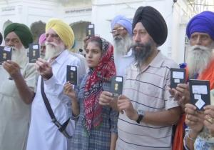 224 Sikh devotees leave for Pakistan on death ann...