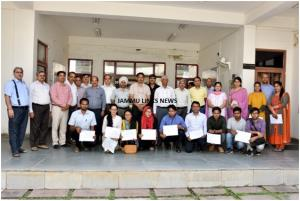 SKUAST-J distributes certificates after online tr...