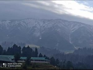 Kashmir gets season