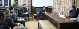 Div Com Kashmir reviews rehabilitation of Dal dwe...