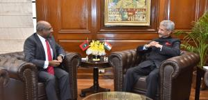 India, Maldives sign 3 pacts during Joint Commiss...