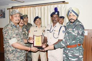 CRPF Jawans honoured for honesty