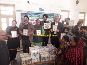 Healthy India Stronger India distributes statione...