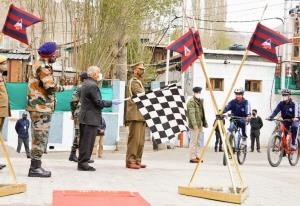 LG Mathur flags in BRO's cycling expedition on CO...