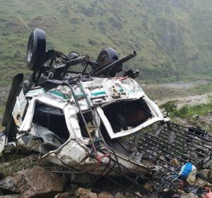 10 dead, 3 injured in Shimla road accident
