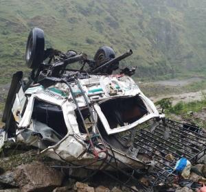 10 dead, 3 injured in Shimla road accident