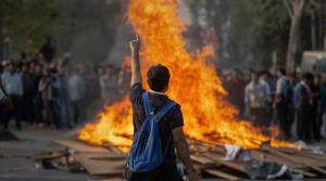 Anti-CAB stir: People defy curfew, police open fi...