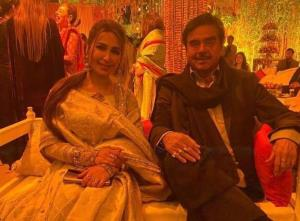 Shatrughan Sinha attends wedding function in Laho...