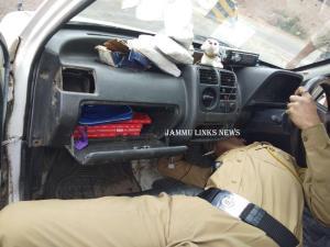 Drug-peddler nabbed with charas