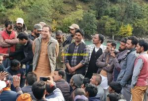 Sunil Sharma convenes public meetings in Padder