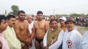 Punjab Wrestler Rishu wins Gole Panj Peer Dangal ...
