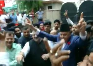 Farooq Abdullah performs victory dance in Jammu a...