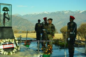 Indian armed forces mark Vijay Diwas in J&K