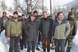 DC Baramulla visits upper reaches of Rafiabad