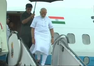 PM Modi arrives in Kerala, to undertake aerial su...