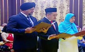 Sikh man becomes Malaysia