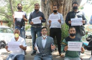 J&K Ex-Servicemen hold protest