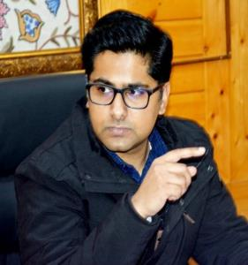 DDC Shopian reviews progress on Cluster Model Vil...