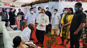 Dr Jitendra visits Vaccination Centres, interacts...
