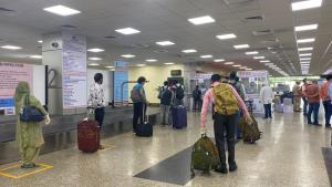 15 flights with 1289 passengers aboard land at Ja...