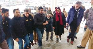 DC Bandipora inspects ongoing works on One-Stop C...