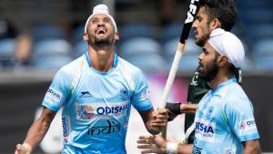 Indian hockey team thrashes Pakistan in Champions...