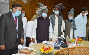 Lt Governor visits Kulgam; meets various delegati...
